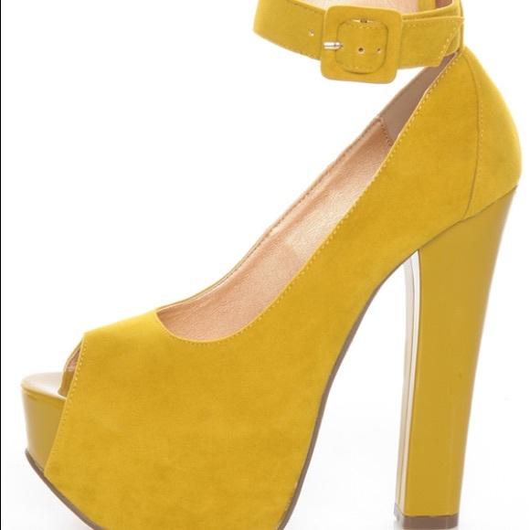 Yellow Peep Toe Platform Heels Nwot